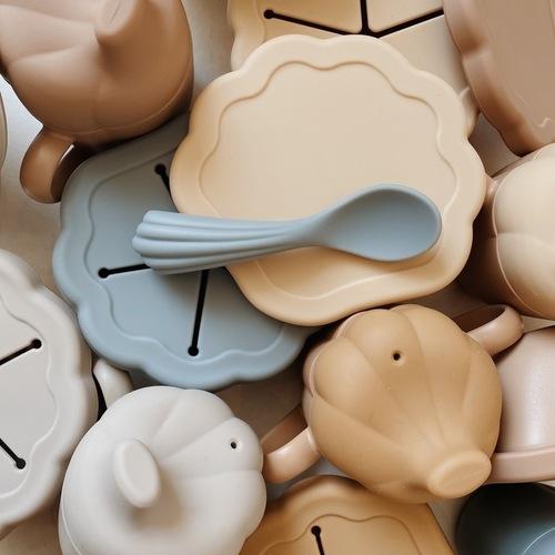 Set vaisselle en silicone Clam TerracottaKonges Slojd